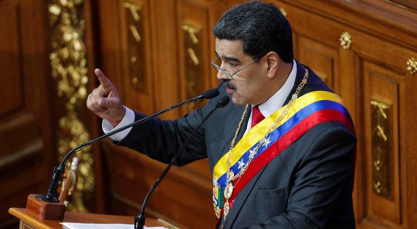 Maduro tenta aproximação aos EUA