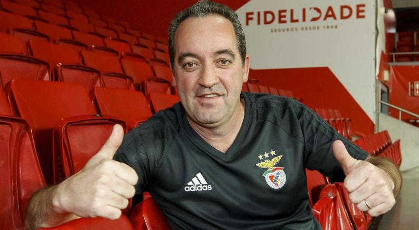 O atual treinador da equipa feminina de hóquei em patins do Benfica sabe o que é ser campeão do mundo