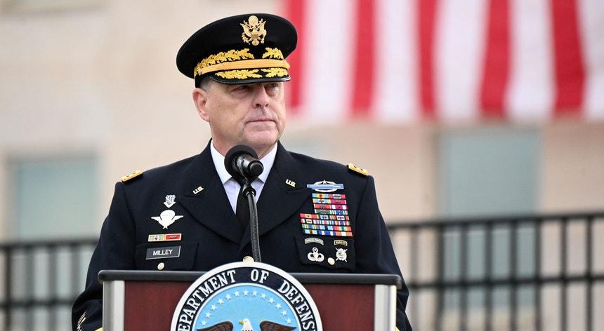 Mark Milley é o primeiro signatário da carta agora divulgada, assinada também pelos sete outros líderes de ramos militares do país.