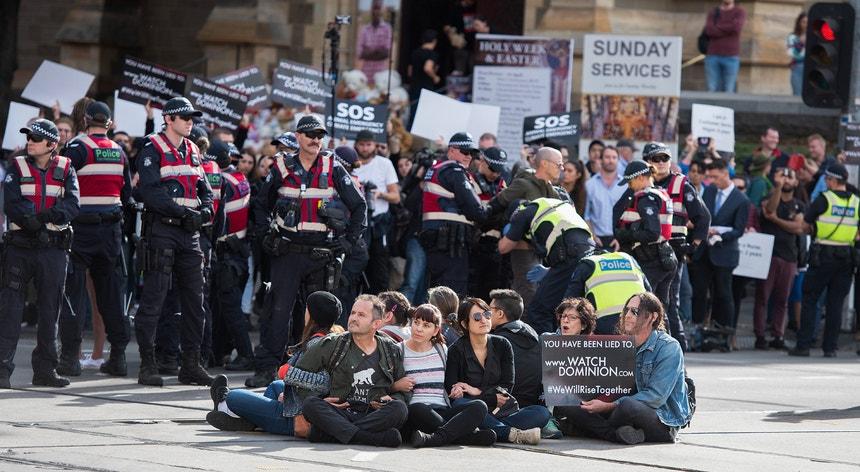 """O Governo ordenou às autoridades que avançassem com """"toda a força"""" contra os ativistas"""