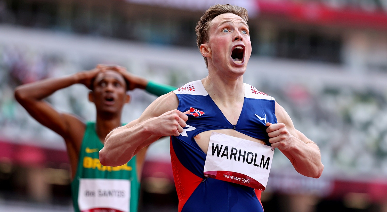 Final de 400m barreiras masculinos. O atleta norueguês, Karsten Warholm, comemora a vitória.   Foto: Lucy Nicholson - Reuters