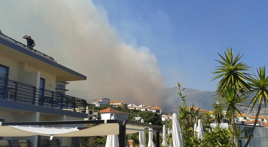 Madeira regista temperaturas elevadas e a zona de São Roque está a ser afetada