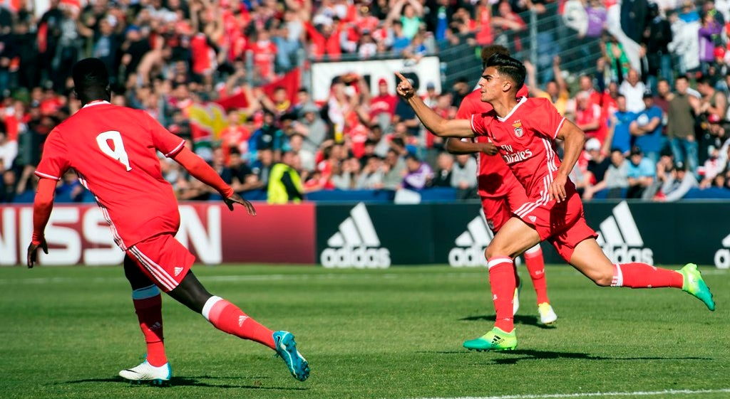 Benfica na final da UEFA Youth League ao bater Real Madrid