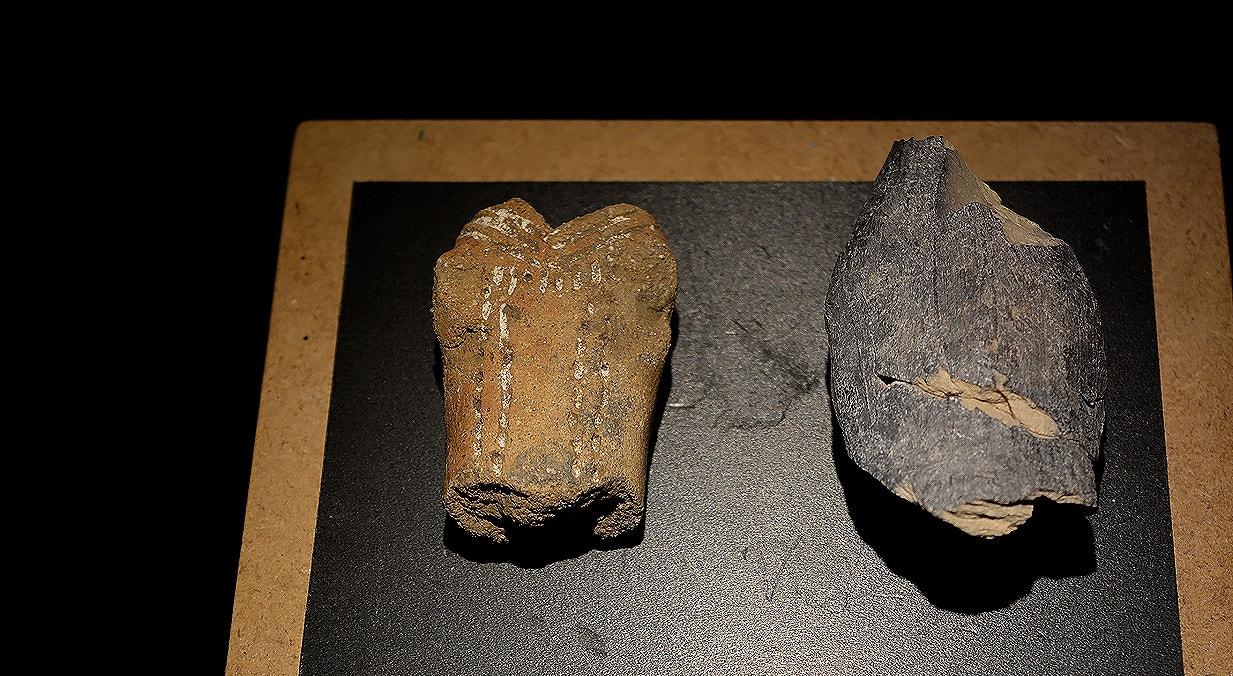 Torço de figura humana (esq.), cerâmica, Valada do Mato, cerca de 5000 a.C.   Carla Quirino - Rtp