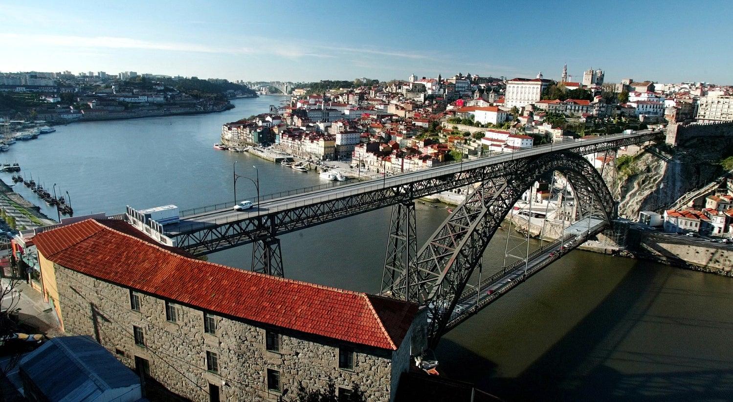 Resultado de imagem para Portugal apresenta candidatura do Porto a sede da Agência do Medicamento