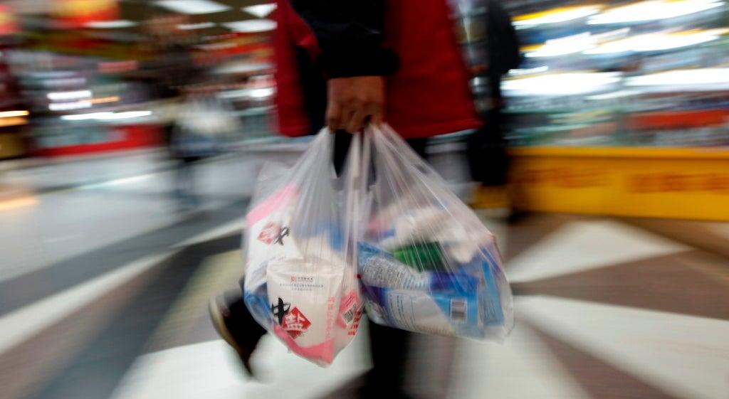 Quercus e ZERO querem todos os plásticos taxados