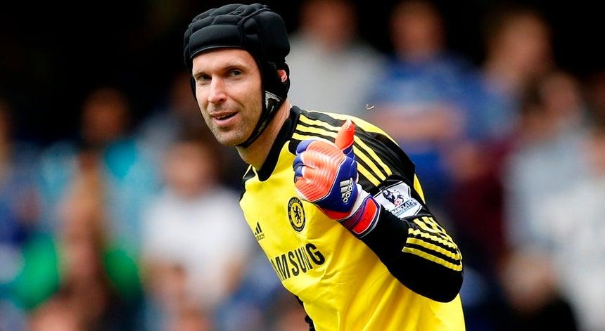 ae561700f6 Cech assina pelo Arsenal - Inglaterra - Desporto - RTP Notícias