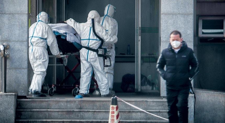 Os chineses continuam a enfrentar casos de covid provenientes do exterior