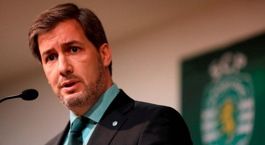 Bruno de Carvalho queixa-se a Fernando Gomes sobre o atual estado do futebol português