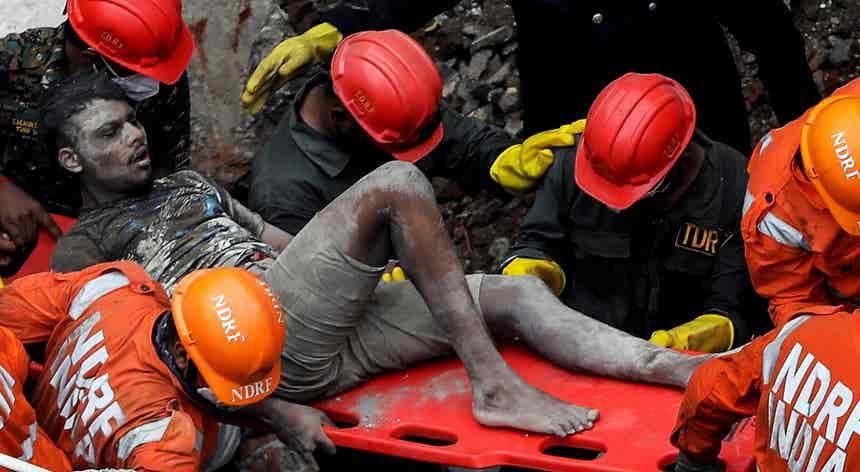 Resgate dos escombros