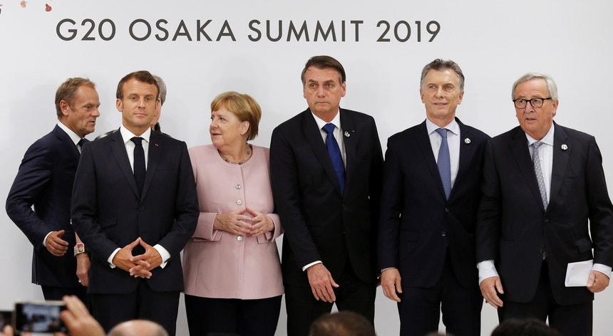 O Presidente brasileiro, Jair Bolsonaro, entre os interlocutores da cimeira do G20 em Osaka, no final de junho deste ano
