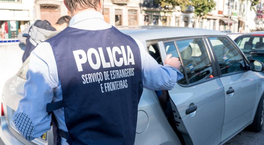 Os três migrantes foram apanhados horas depois de terem fugido