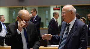 Eurogrupo mandatado para apresentar medidas como recurso ao financiamento europeu de estabilidade