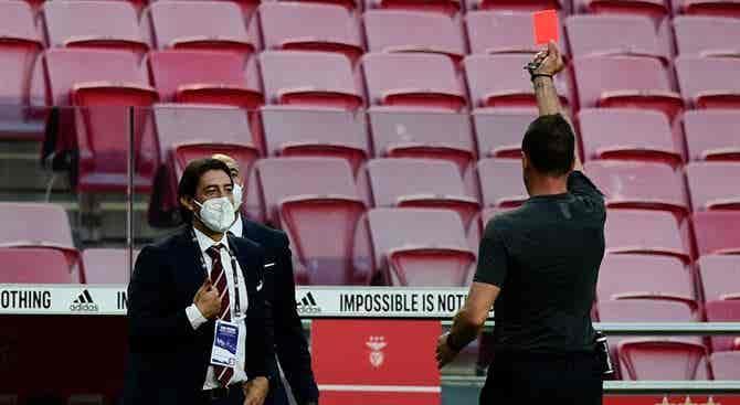 Rui Costa no banco do Benfica frente ao Sporting