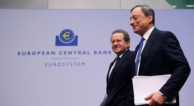 Maria Draghi, Presidente, e Vitor Constancio, Vice-presidente do Banco Central Europeu.