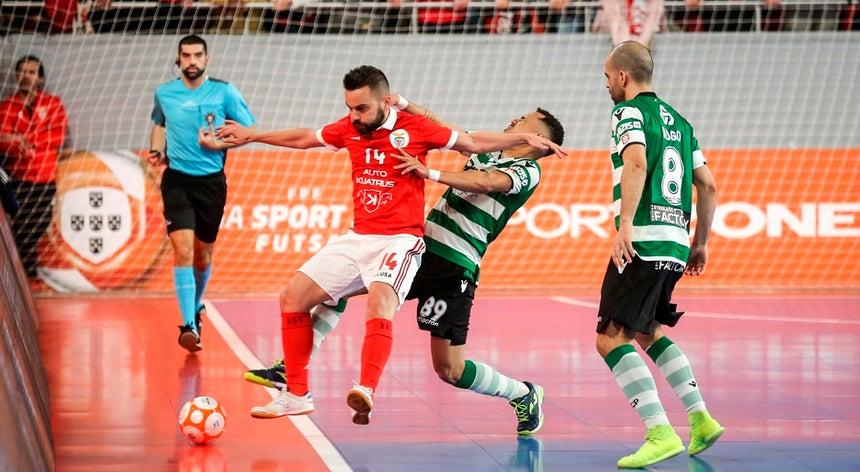 Benfica bate Sporting de Braga e joga final do nacional de futsal com o  Sporting e1860ee957086