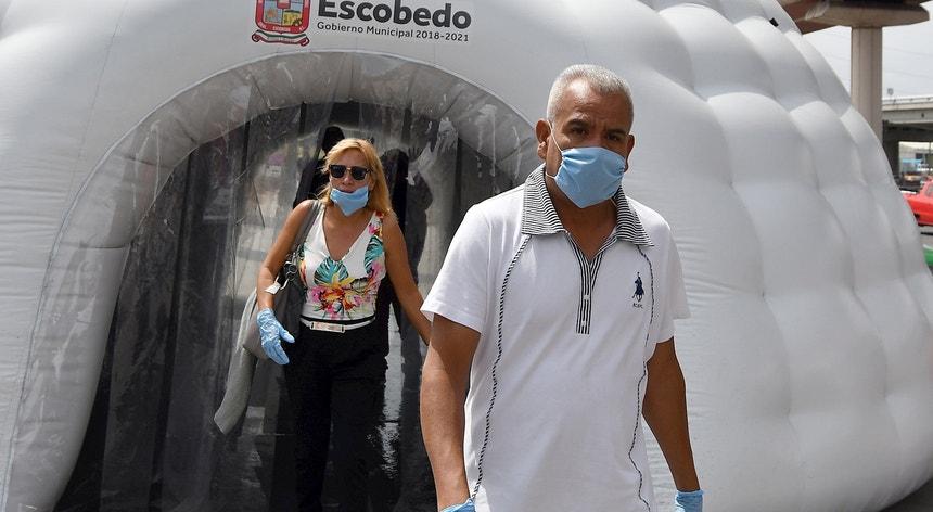 Os mexicanos vivem uma crise sanitária com contornos muito complicados
