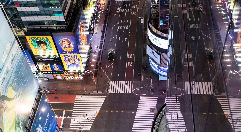 Times Square, a grande avenida de Nova Iorque vazia / Jeenah Moon - Reuters