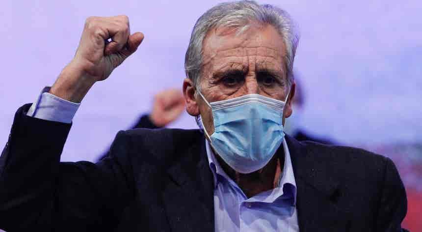 """Jerónimo de Sousa reeleito secretário-geral. """"Alternativa política não é possível sem o PCP"""""""