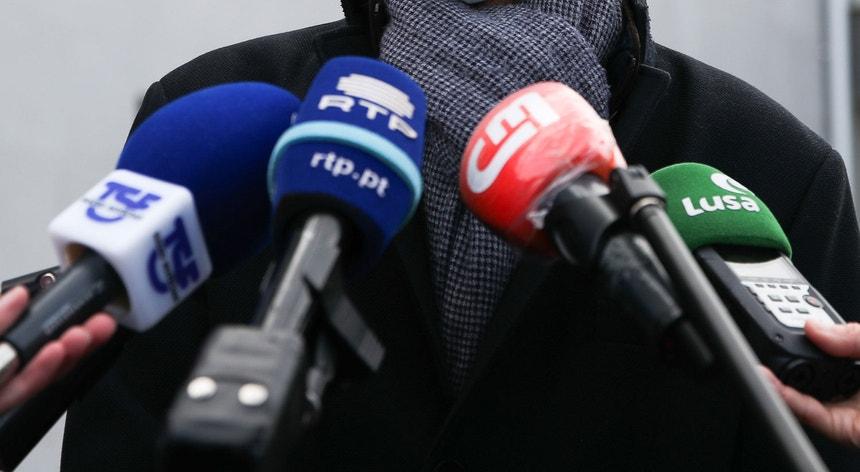 """Os órgãos de comunicação manifestam-se contra os """"factos graves que são atentatórios do Estado de Direito Democrático""""."""