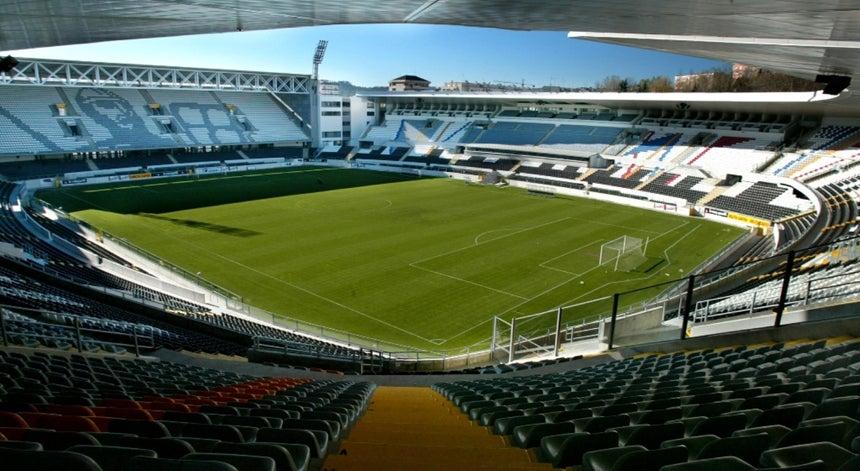 """f1555b467a Vitória de Guimarães vai tomar """"medidas legais"""" após invasão de 30 adeptos  a um"""