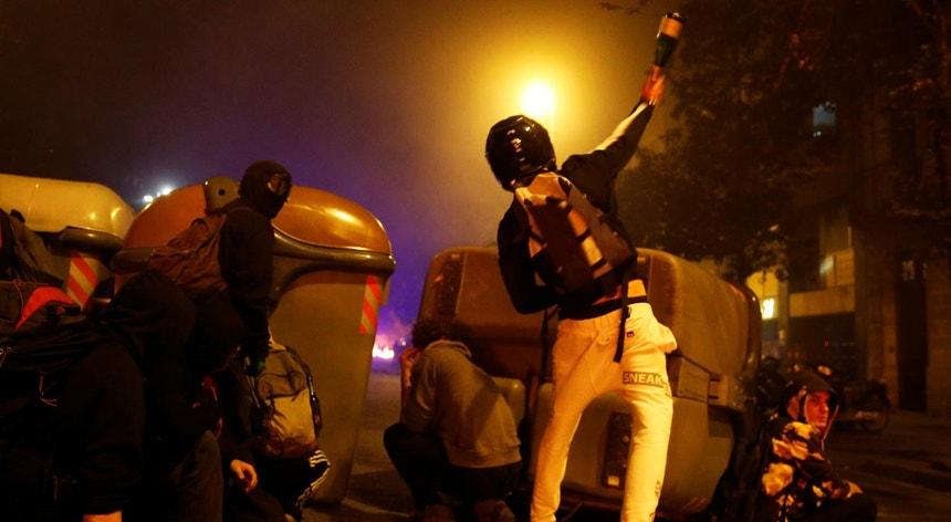 A violência ocorreu pela terceira noite na Catalunha