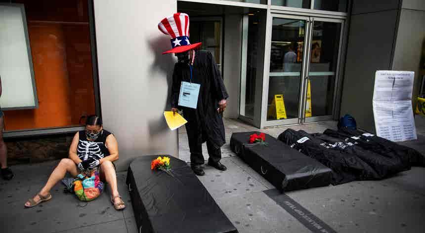 EUA com 532 mortos e mais de 48 mil casos nas últimas 24 horas