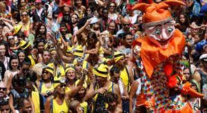 Pré-Carnaval. Brasileiros aproveitam para enviar recados a Bolsonaro