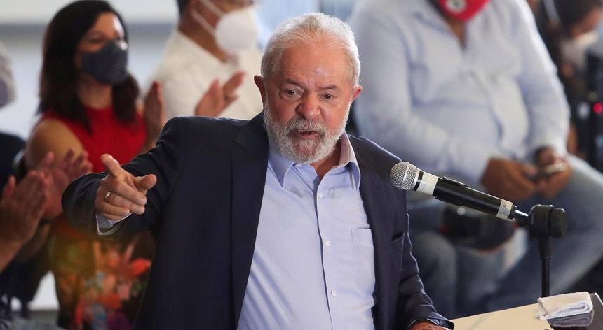 """Defesa de Lula da Silva classifica de """"histórica"""" a decisão de anular as condenações ao antigo presidente"""