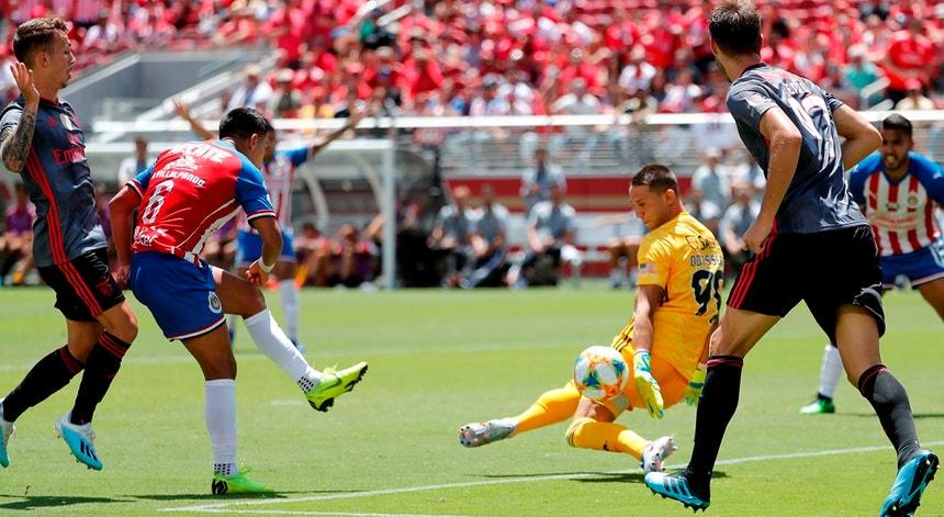 Odysseas defende um remate da equipa mexicana