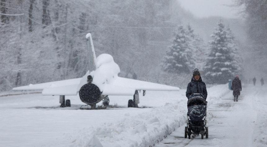 Uma vaga de calor pouco comum fez-se sentir em vários países como a Rússia, Escandinávia e leste do Canadá
