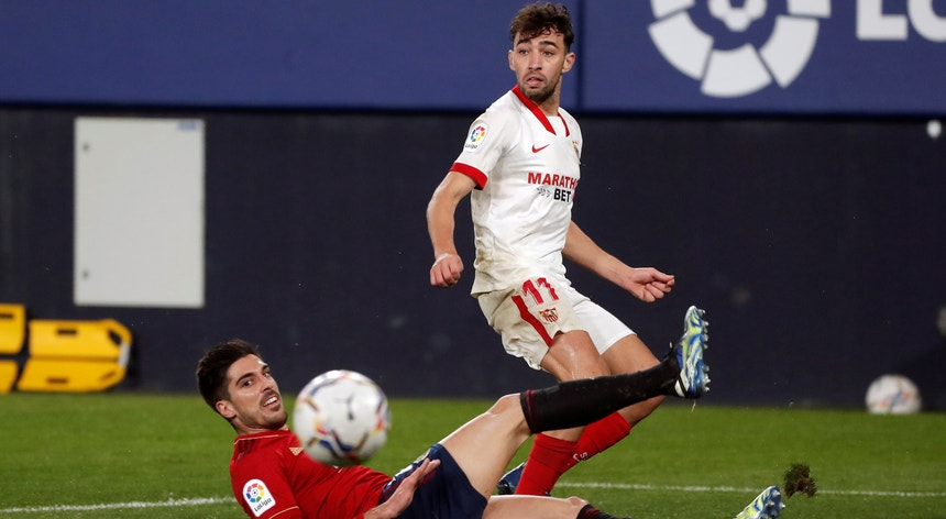 O Sevilha ganhou em Pamplona e subiu ao terceiro lugar da liga espanhola