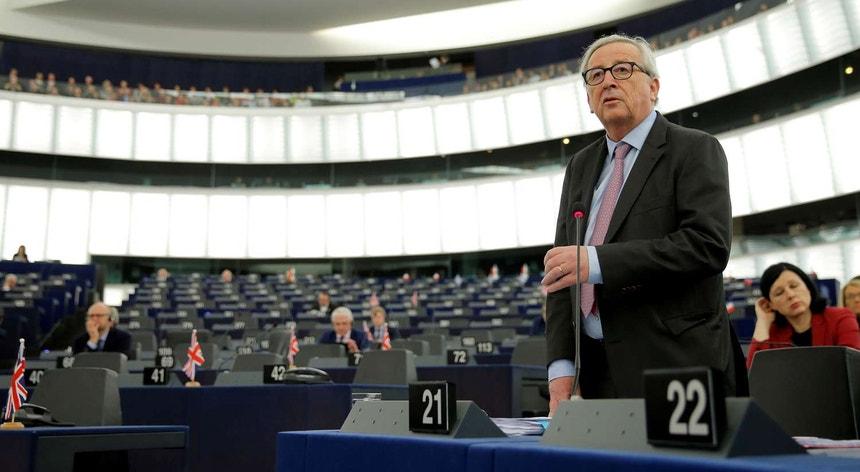 União Europeia admite avaliar adiamento do Brexit
