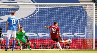 Penálti de Bruno Fernandes após final dá vitória ao United em Brighton