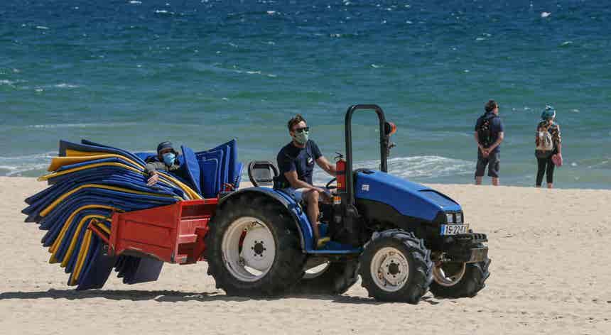 Praias portuguesas vão poder acolher em simultâneo 830 mil pessoas