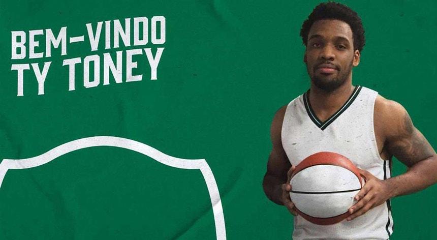 Ty Toney é o segundo norte-americano a reforçar a equipa do Sporting no regresso do clube à modalidade