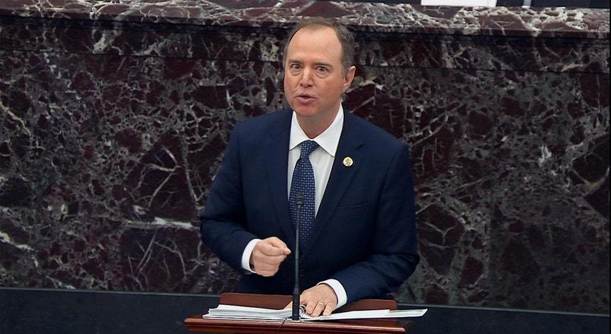 O congressista democrata Adam Schiff, líder da equipa de acusação no julgamento de Donald Trump, durante a apresentação dos argumentos iniciais, a 22 de janeiro de 2020