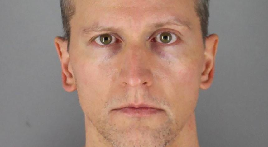 Chauvin, de 44 anos, está acusado do assassinato e homicídio em segundo grau de George Floyd.