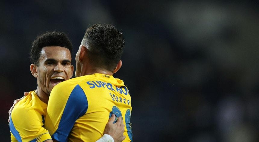 Soares festeja o primeiro golo no FC Porto