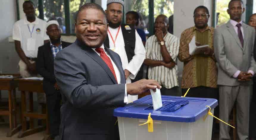 Moçambique. Nyusi votou e apelou à serenidade