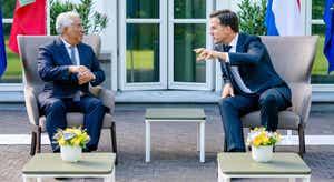 """Costa deixa Haia """"mais confiante"""" num acordo no Conselho Europeu"""