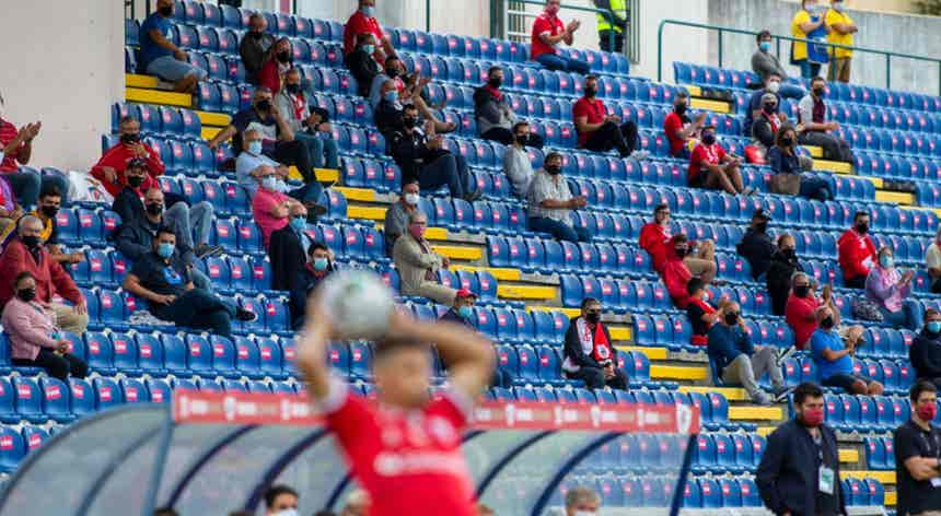 Governo permite regresso de público aos eventos desportivos com regras