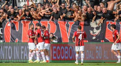 AC Milan vence Spezia e sobe provisoriamente ao topo da Serie A