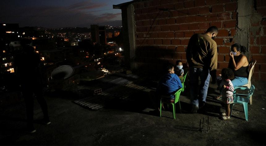 Os políticos venezuelanos uniram-se no combate ao novo coronavírus
