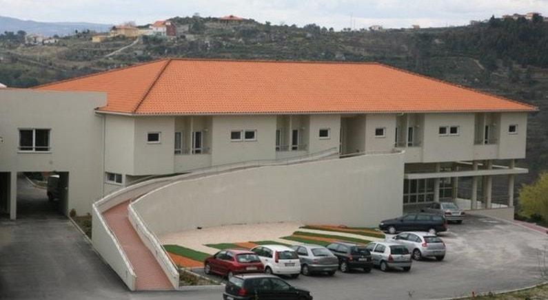 Dois utentes infetados lançaram o alarme no lar da Santa Casa da Misericórdia em Arneirós, em Lamego