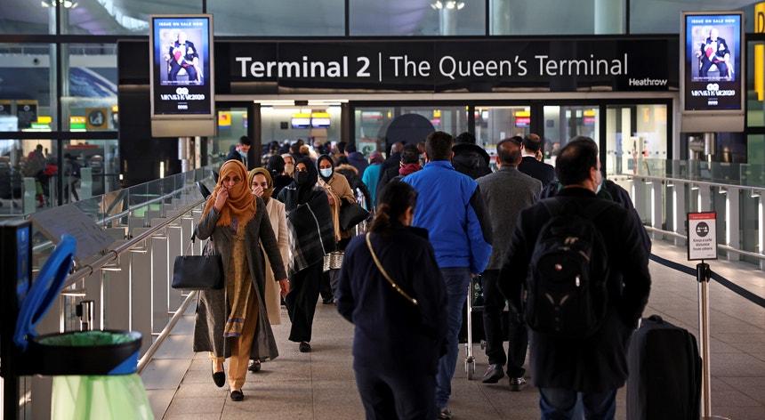 A partir das 0h00 de sábado não haverá voos de nem para o Reino Unido