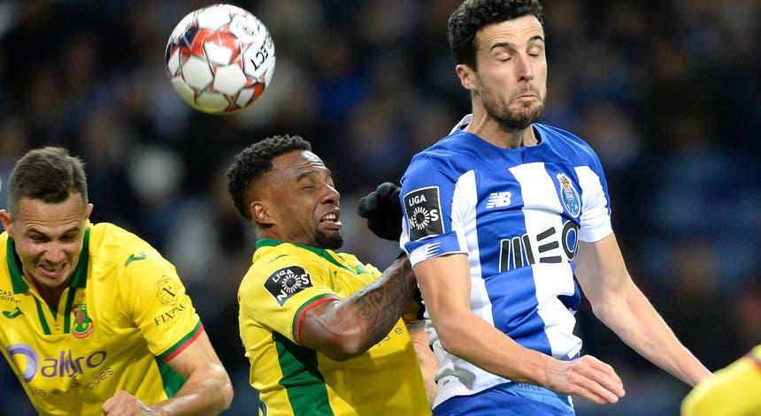 A vitória do FC Porto frente ao Paços de Ferreira permitiu manter a distância de dois pontos para o Benfica