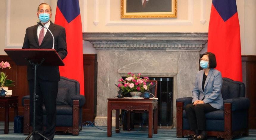 O membro do governo norte-americano disse da honra que é visitar Taiwan