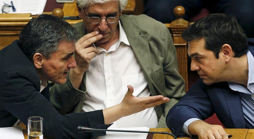 """Face às divisões no Syriza, o próprio Governo assume como """"provável"""" que haja eleições no outono."""