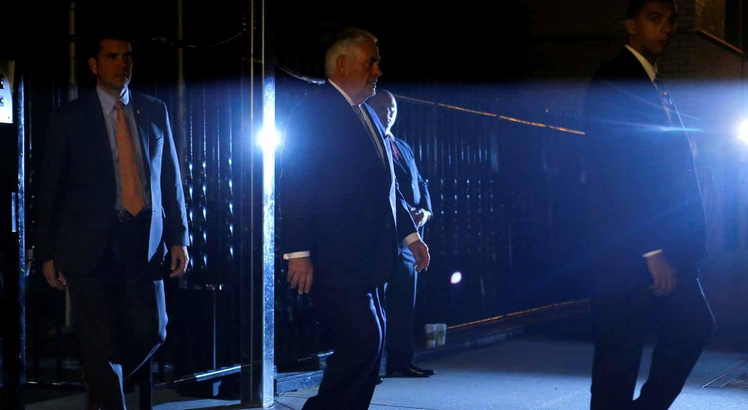 Chefes da diplomacia da Rússia e EUA reúnem-se em clima de guerra de sanções